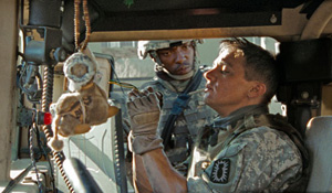 (from left) Anthony Mackie and Jeremy Renner in The Hurt Locker