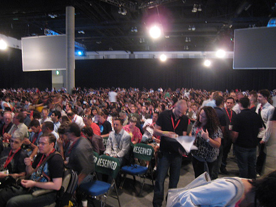 The crowd in Hall H at the 2009 San Diego Comic-Con International