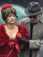 (from left) Penelope Cruz and Daniel Day-Lewis in Nine
