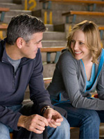 (from left) George Clooney and Vera Farmiga in Up in the Air