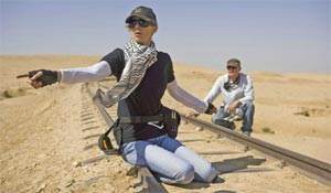 Kathryn Bigelow and Barry Ackroyd on the set of The Hurt Locker